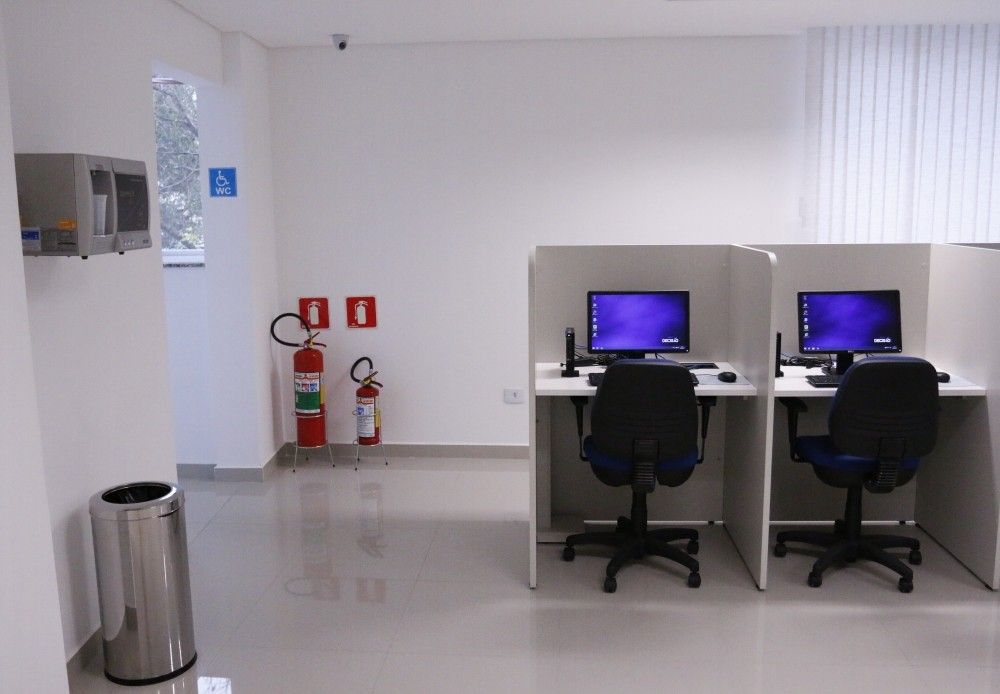 Locar Ambiente para Call Center